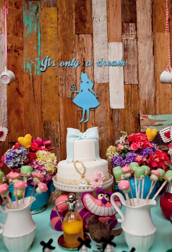 A encantadora festa Alice no Pas das Maravilhas