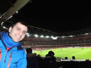 Óscar en un partido del Arsenal