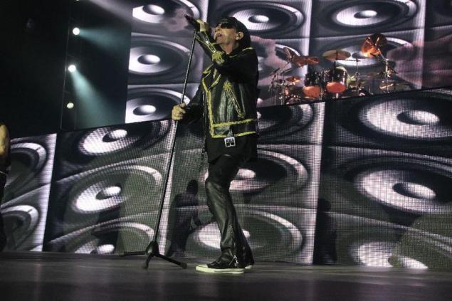 Klaus Meine, a voz perene do Scorpions (foto: Mateus Dantas/O POVO)
