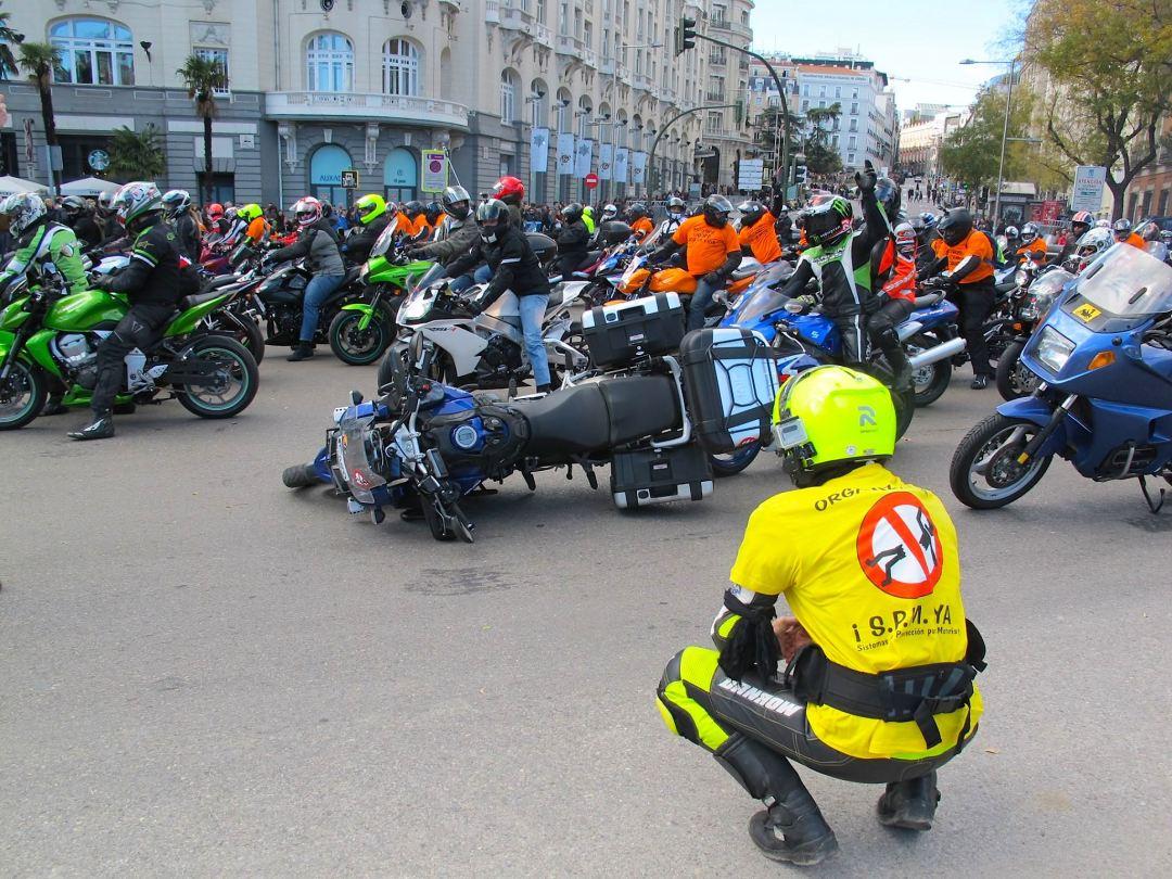 Manifestacion-motos-6-D-Madrid_-jpg-.jpg