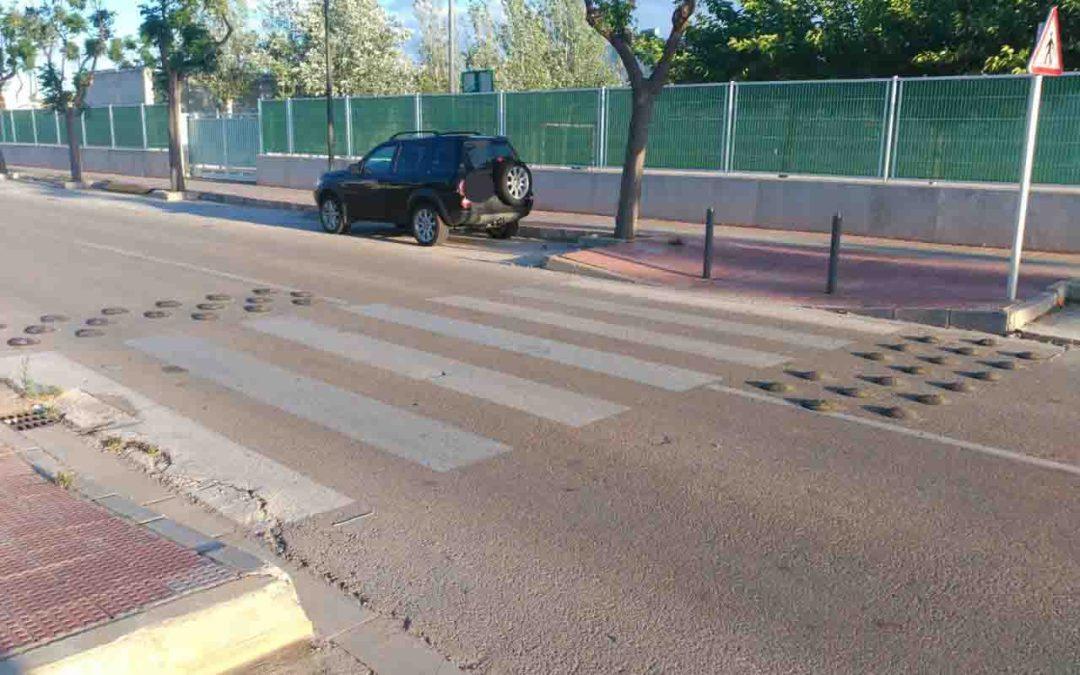 Reductores de velocidad ilegales y de alto riesgo. Accidentes de motos.