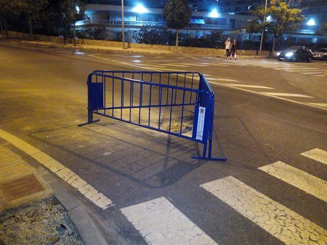 Presunto delito por obstáculos en calzada. Alicante.