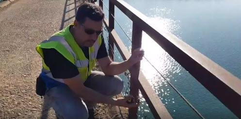 Las vallas de los puentes tienen que ser legales.