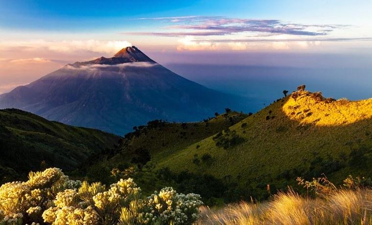 seguro viagem indonesia vulcao