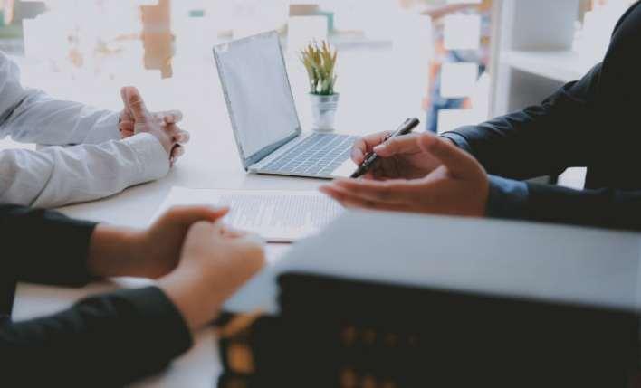reunião assistência jurídica no seguro viagem