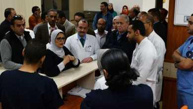 Photo of وزيرة الصحة تتفقد التشغيل التجريبي لمستشفى إسنا وتراجع دفاتر تسجيل المرضى