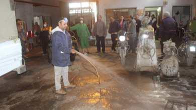 Photo of هيئة النظافة بالجيزة تواصل تطهير محطات المناولة ومقالب القمامة بالكلور
