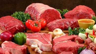 Photo of خبيرة تغذية توضح كيفية تناول الطعام بشكل صحي أثناء العيد