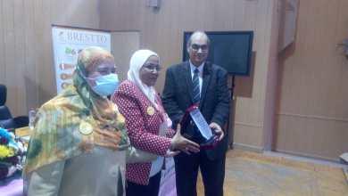 Photo of المستشفيات التعليمية تكرم خريجى البورد الدولى لإستشاريي الرضاعة الطبيعية
