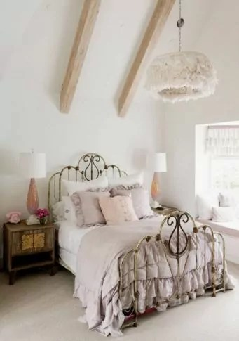 25 Fascinating Teenage Girl Bedroom Ideas With Beautiful Decor