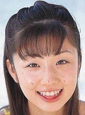 小倉優子の整形前ほくろ