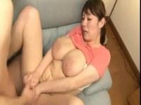 夫婦の営みで豊満な体でパイズリする熟女おばさん達の日活 無料yu-tyubu