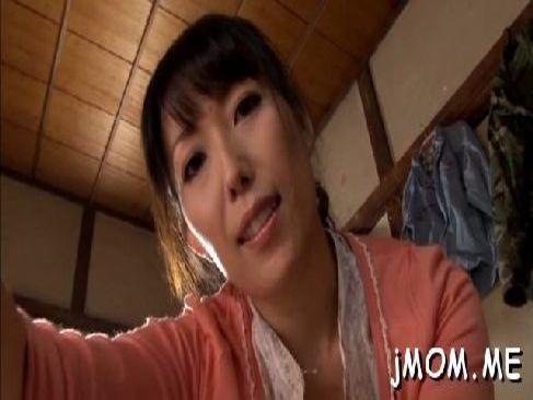 義息を看病する四十路おばさんが無理矢理おめこを弄られレイプされる日活 無料yu-tyubu田舎