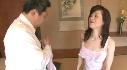 中年夫婦がAV撮影に応募してきて日頃の夫婦生活を明かしちゃう中年夫婦の性生活動画