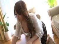 性欲を抑えきれずに角オナニーしてる三十路美熟女妻のjyukujo動画