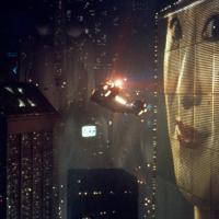 ディストピアとは?映画が予見した意味。「監視社会」の恐怖と未来は?