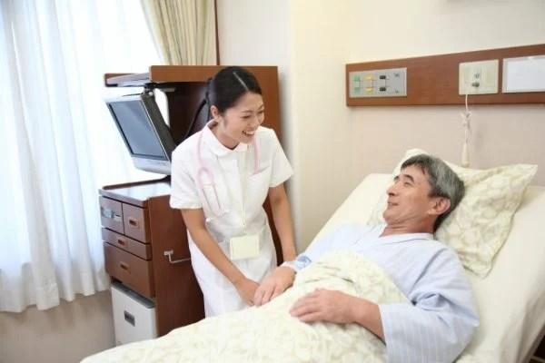 生活保護受給中に入院した場合の注意点
