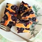ブルーベリーぎっしりのアーモンドケーキ、オーブントースターで焼けました♪
