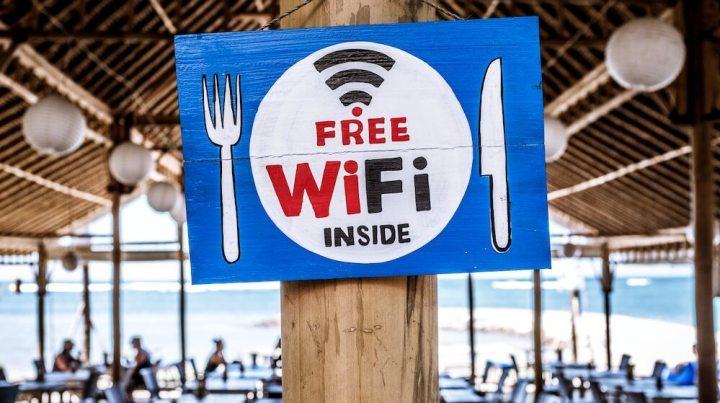 無料Wi-fi、セキュリティ、危険