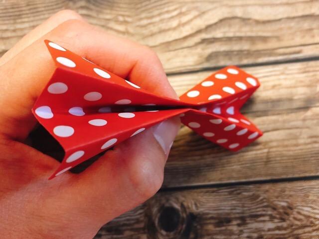 デコレーション用の折り紙リボンの作り方