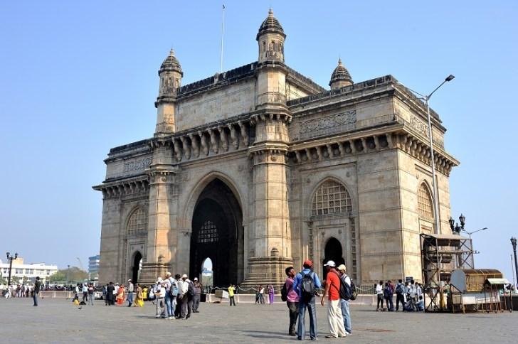 植民地インドのシンボルであるインド門