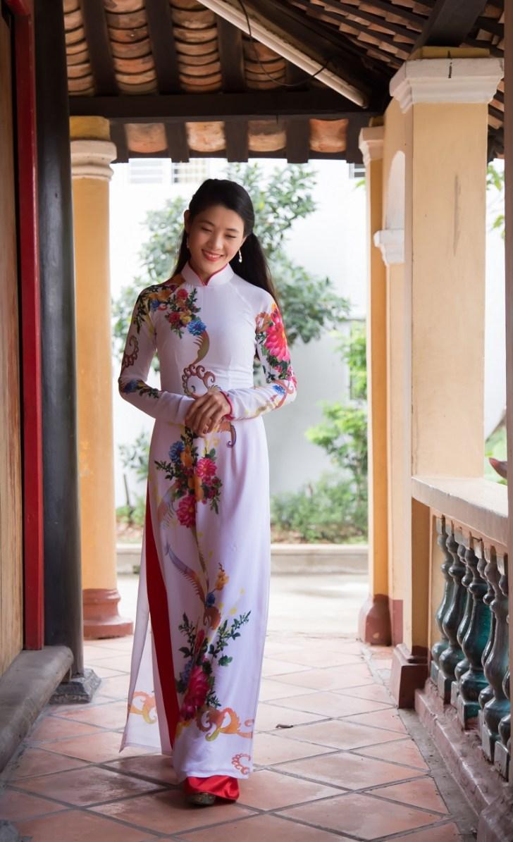 ベトナムの伝統的な民族衣装『アオザイ』