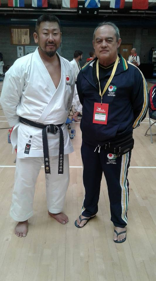 Sensei Gerson Carlos de Almeida e Sensei Kurihara Kazuaki (Japão)