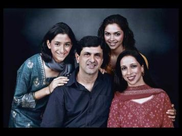 Deepika Padukone Family Mother, Father, Sister 01