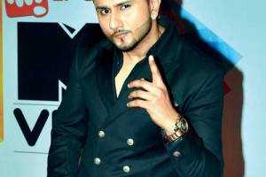 Singer Yo Yo Honey Singh Family Background, Father, Mother, Wife Photos