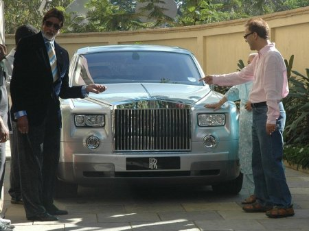 Amitabh Bachchan Net Worth In Indian Rupees