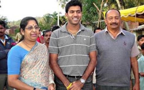 Rohan Bopanna Wife, Family Photos, Father, Mother Name, Biography