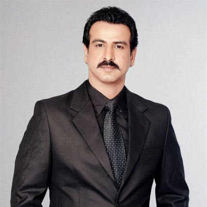 Ronit Roy Family Photo, Father And Mother Name, Wife, Age