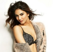 Vaani Kapoor Family Photo, Father And Mother Name, Age, Biography