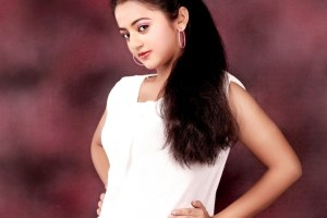 Helly Shah Family Pics, Husband Name, Father, Mother, Age, Biography