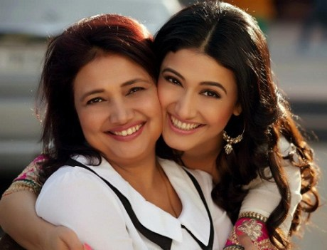 Ragini Khanna Family Photo, Father, Mother, Wedding, Age, Biography