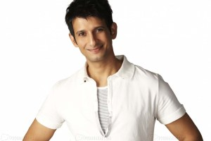 Sharman Joshi Family Pictures, Wife, Age, Sister, Parents, Son, Daughter