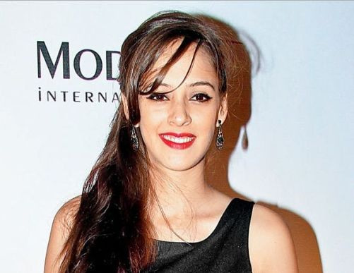Hazel Keech Family Photos, Father, Mother, Husband, Age, Height, Biography