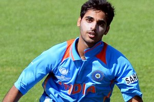 Bhuvneshwar Kumar Family Photos, Father, Mother, Sister, Wife, Age, Biography