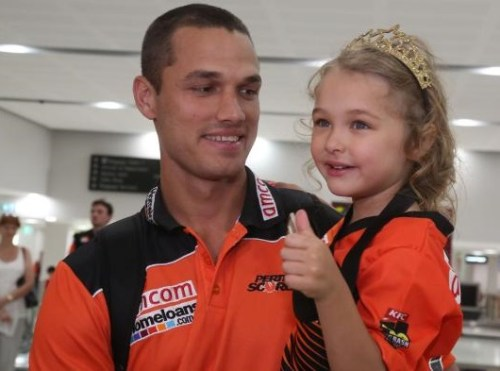 Nathan Coulter-Nile Family Photos, Father, Wife, Daughter, Biography