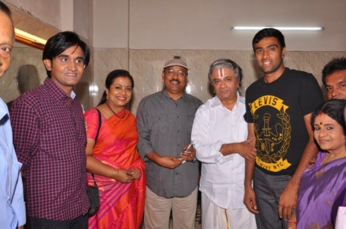 Ravichandran Ashwin Family Photos, Father, Mother, Wife, Age, Biography
