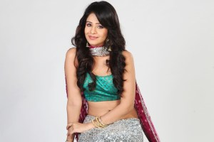 Fenil Umrigar Family Photos, Husband, Father, Mother, Age, Height, Bio