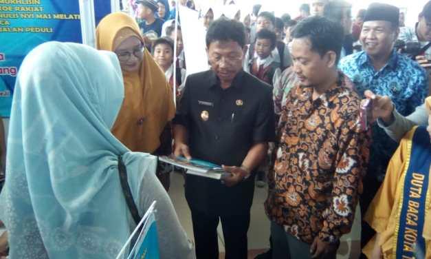 Wakil Walikota Tangerang Launching Pameran Perpustakaan dan Kearsipan