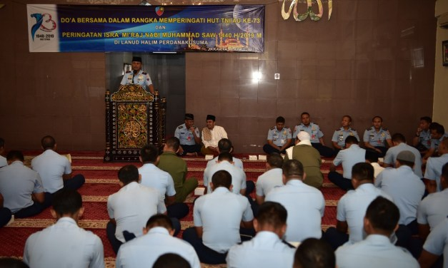 Lanud Halim Perdanakusuma Peringati Isra' Mi'raj dan Do'a Bersama HUT TNI AU ke-73