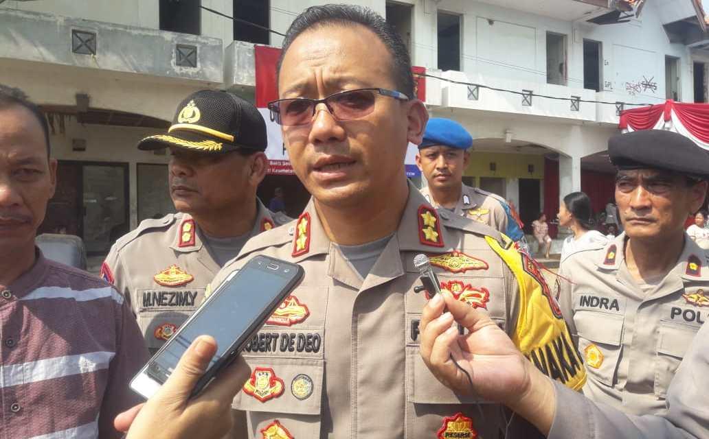 Polres Metro Tangerang Kota Bagikan 1000 Sembako Gratis ke Warga