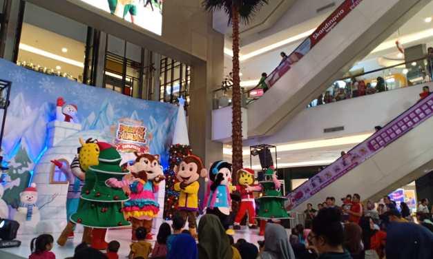 Tangcity Mall Hadirkan 'Synthetic Ice Skating' dalam Nuansa Natal di Snowville