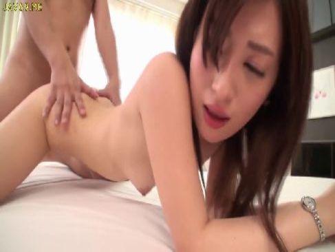 芸能人級の美貌と抜群のスタイルを誇る美乳お姉さんがホテルで濃厚な個人撮影をしてるセックス動画無料