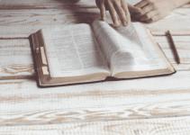 15 Contoh Teks Anekdot Menyindir Guru (Terlengkap) 3