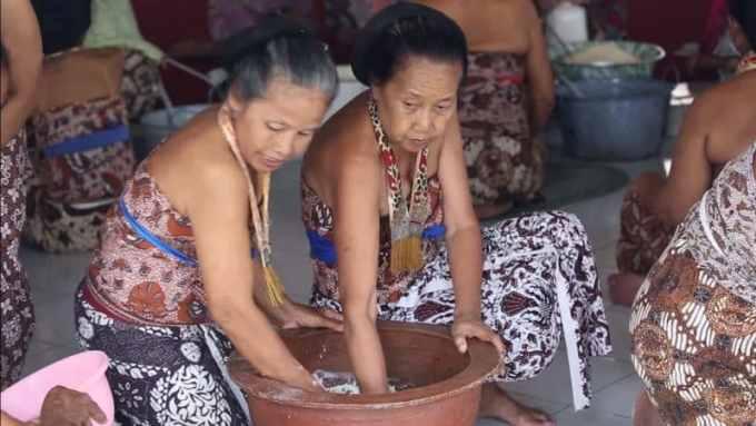 Contoh Teks Anekdot Singkat Bahasa Jawa