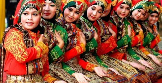 9 Properti Tari Saman (Lengkap beserta gambar dan deskripsi) 1