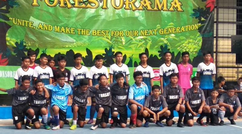Foto bersama sebelum pertandingan futsal TarQ Cup XVII. (Dok Panitia. TarQ Cup XVII)
